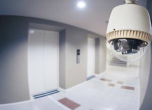 Видеонаблюдение в многоквартирном доме — особенности